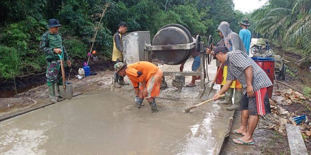 Adanya TMMD Ke 108 di Desa Temiang, Semakin Memperkokoh Semangat Gotong Royong Masyarakat