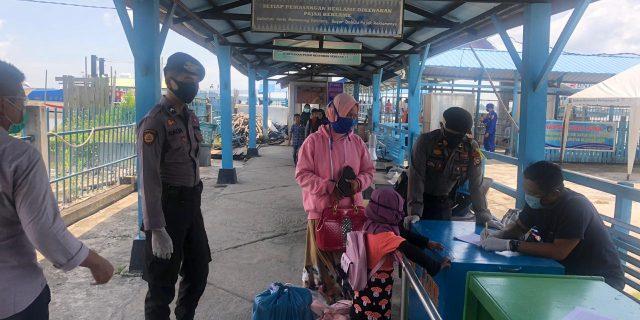Polres Meranti Lakukan Himbaun Adaptasi Kebiasaan Baru Di Pelabuhan