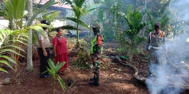 Babinsa Koramil 02/Tebing Tinggi Bersama Bhabinkamtibmas Laksanakan Patroli Karhutla dan Sosialisasi