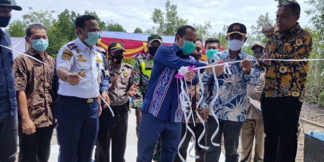 Bupati Irwan Resmikan Pelabuhan Desa Pelantai Berstandar Nasional