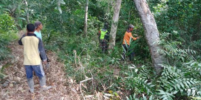 Babinsa Koramil 02/Tebing Tinggi Terus Laksanakan Patroli Cegah Karhutla di Desa Sendaur