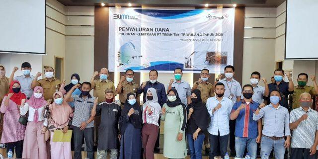 Bupati Irwan Serahkan Dana Program Kemitraan PT. Timah Riau-Kepri Pada 38 Orang Pengelola Usaha Kecil Menengah di Meranti