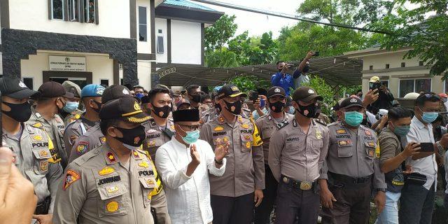 Sempat Terkena Lemparan Batu, Ketua DPRD Kepulauan Meranti Tolak UU Ombinus Law dan Surati Presiden Jokowi