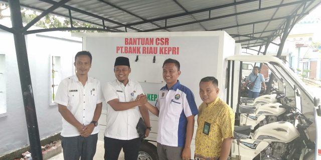 Melalui CSR Bank Kepri, Kesra Pemkab Meranti Salurkan Bantuan Sepeda Motor Ambulance Ke Mitra VJ