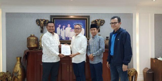 Terima SK PAN, Hery Saputra-Muhammad Khozin Dipastikan Berlayar di Pilkada Meranti