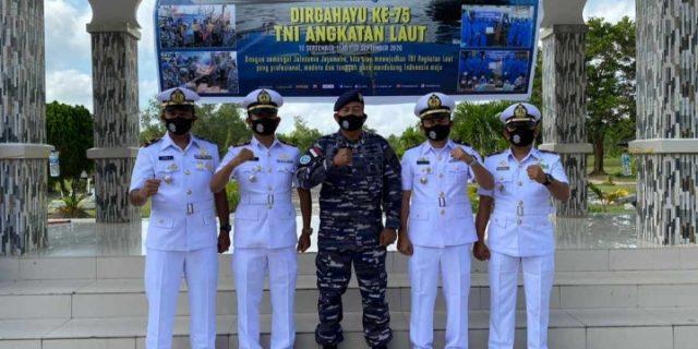 HUT TNI-AL Ke-75, Danposal Selatpanjang Ziarah Taman Makam Pahlawan Damai Sentosa Dumai Baganbesar di Mako Lanal Dumai