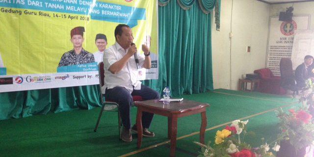 Bupati Meranti,H.Irwan Nasir Jadi Narasumber PDK Yang Digelar Pelajar dan Mahasiswa Meranti di Pekanbaru