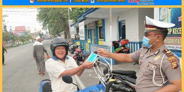 Cegah Covid19, Sat Lantas Polres Meranti Lakasanakan Bersih Bersih dan Semprot Cairan Disinfektan