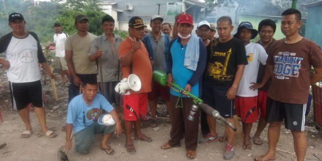 Cegah DBD,Cahyono Rakit Alat Fogging Sendiri