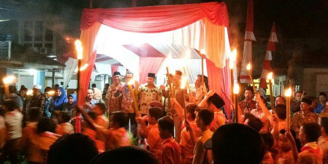 Bupati Meranti,H.Irwan Lepas Pawai Obor Sempena HUT RI Ke-73 Tahun 2018