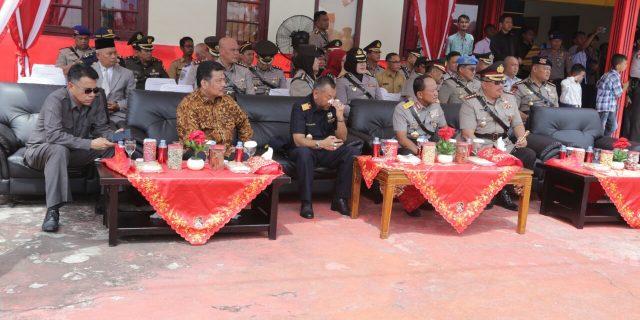 Wakil Ketua Komisi I DPRD Kepri Bidang Pemerintah,Taba Iskandar dan Sekretaris Komisi IV DPRD Kepri Bidang Kesra,Yusrizal Hadiri Upacara Pembentukan Brigadir Polri Perbatasan di Tanjungbatu