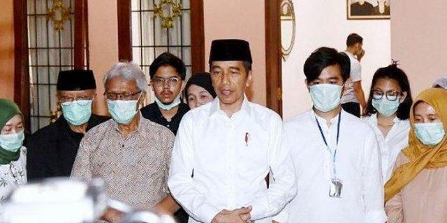 Jokowi Digugat! Ngamuk Jualannya Rugi Bandar, Pedagang Eceran Tuntut Ganti Rugi Rp 10 M, Sebut Presiden Tak Becus Tangani Covid-19 : Sangat Melecehkan Akal Sehat!