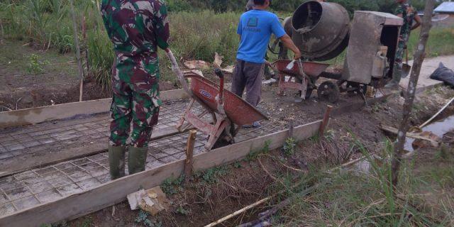 Kecuran Keringat Tidak Menyurutkan Semangat Bagi Prajurit TNI Untuk Berkerja