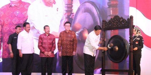Menko Polkam Wiranto,Mendagri Tjahjo Kumolo dan Gubernur Kepri,H.Nurdin Basirun : Pilihan Boleh Beda,Persatuan Harus Dijaga